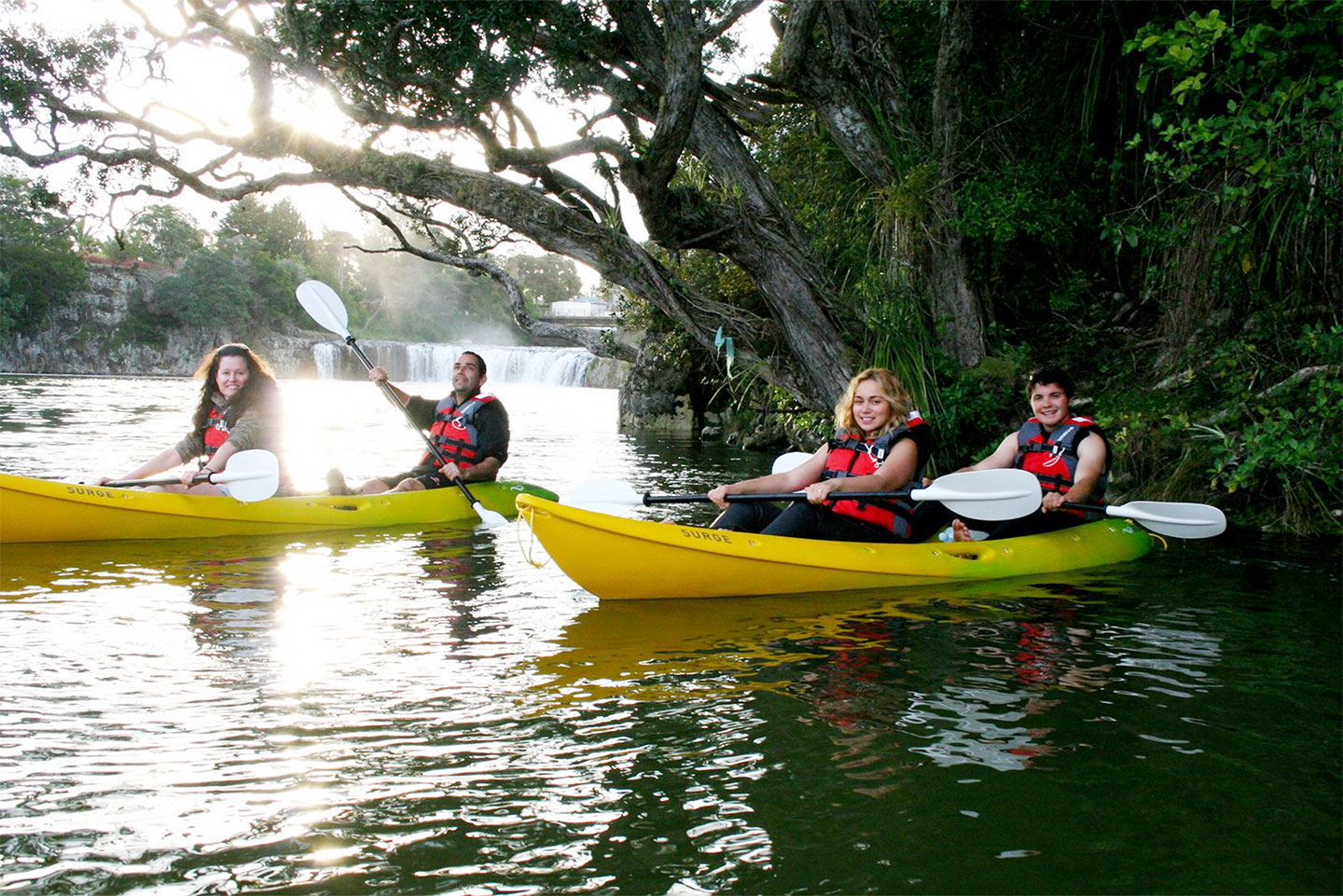 kayaking in the bay of islands