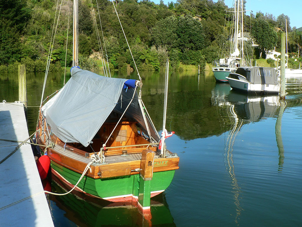 accommodation with jetty on kerikeri river for your boat or kayak